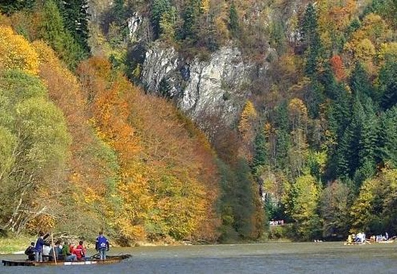 Traditional Rafting on the Dunajec River